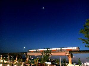 立川市多摩モノレールの夜景