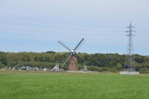 佐倉市内の風車の風景