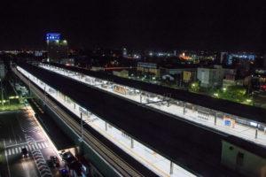 羽島市夜の岐阜羽島駅
