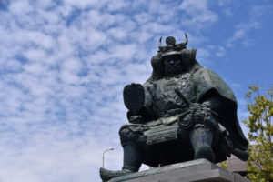 甲府市の武田信玄像
