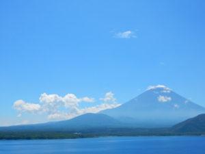 身延町から望む富士山