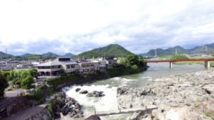 加東市の闘竜灘