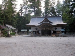 宍粟市の伊和神社