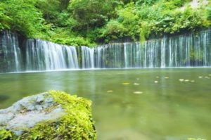 長野県白糸の滝