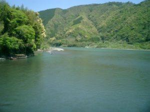 高知県四万十川の流れ