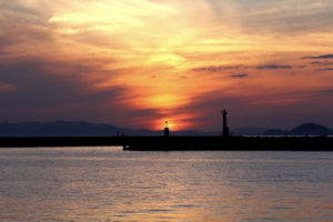 伊予市伊予灘の夕景
