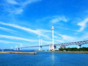 坂出市から望む瀬戸大橋