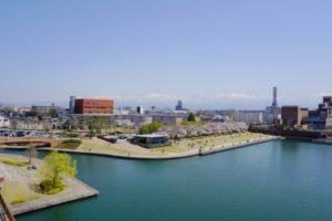 富山市の富岩運河環水公園
