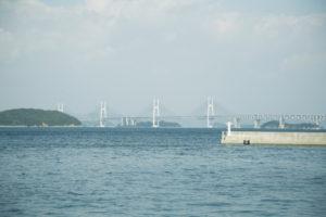 丸亀市から望む瀬戸大橋