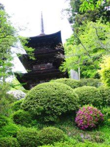 青木村の大法寺三重塔