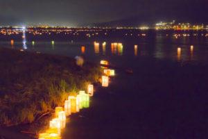 岡谷市の灯籠ながし