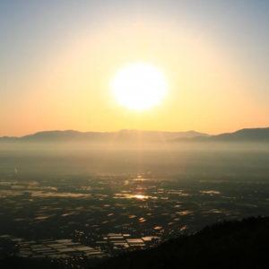 山形村 松本盆地の朝日