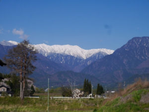 池田町から望む大天井岳