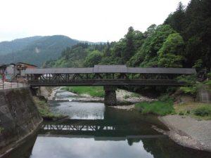 檮原町 梼原川に架かる神幸橋