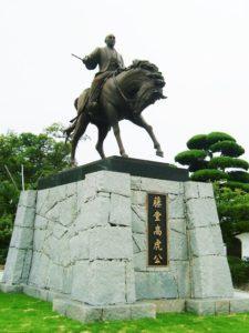 宇和島城を築いた藤堂高虎像