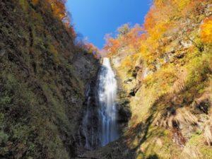 鰺ヶ沢町 くろくまの滝