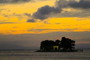宍道湖に浮かぶ嫁ヶ島