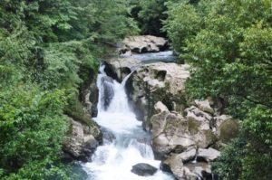 三連轟の滝